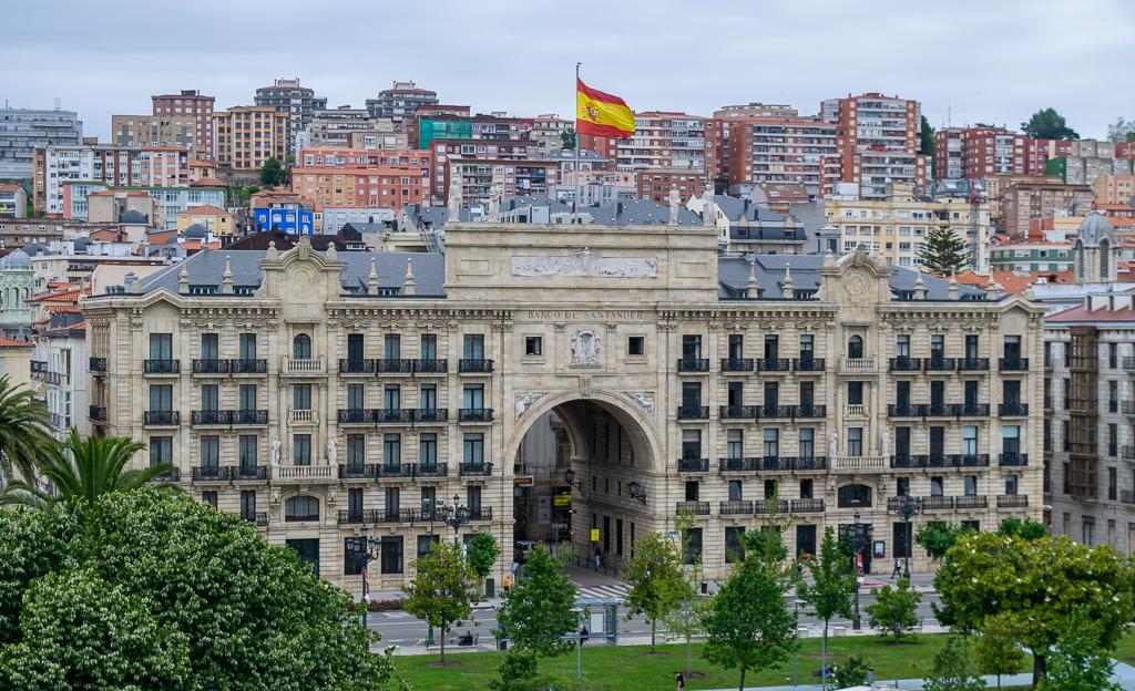 Weekend w Santander - Budynek Banku