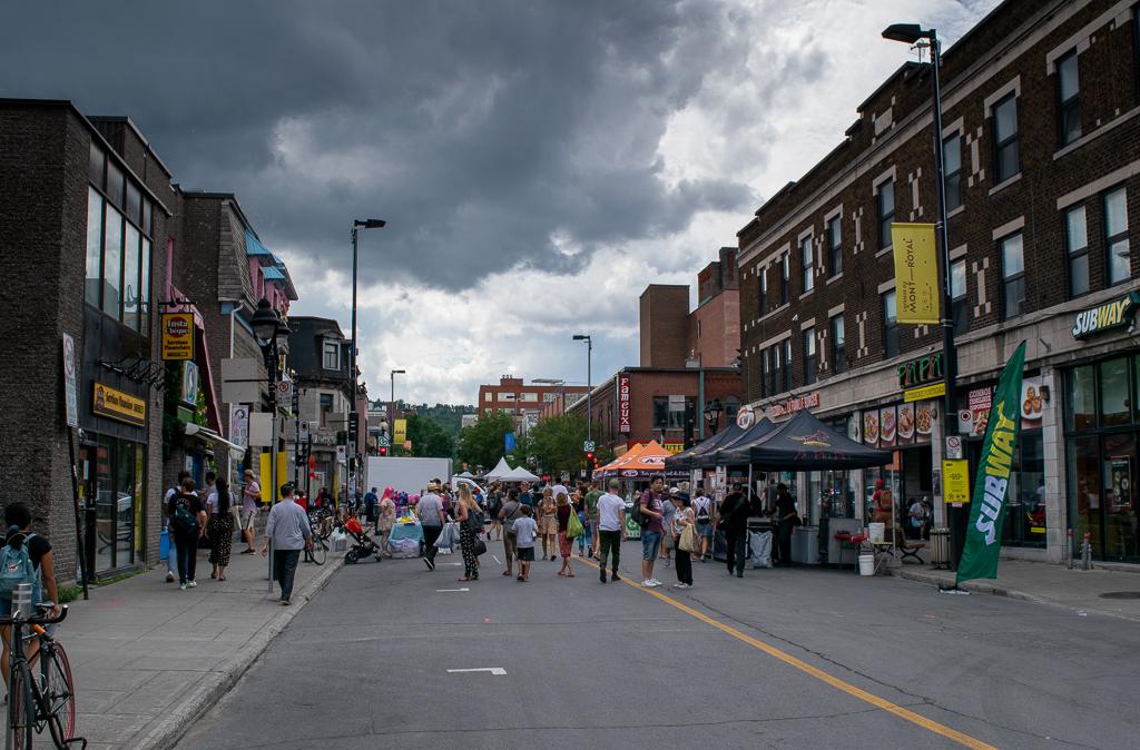 Montreal Rue Saint Denis - Co zobaczyć w Montrealu