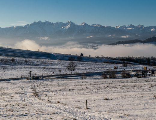 Widok na Tatry z Przełęczy Snozka